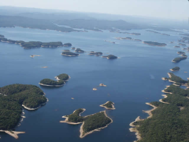 aerial view of Lake Ouachita